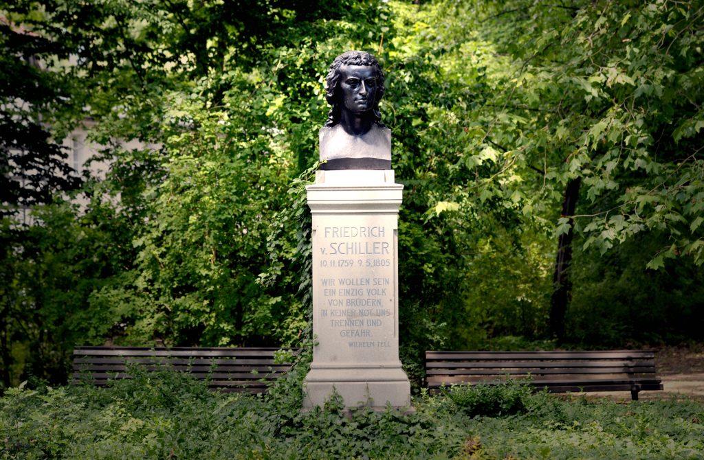 Büste von Friedrich Schiller im Theaterpark